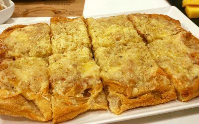 Pinsa de OCHO quesos artesanos